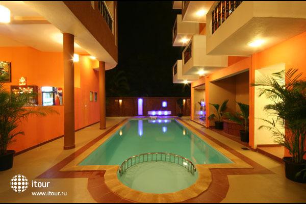 Le Seasons Beach Resort Candolim 2