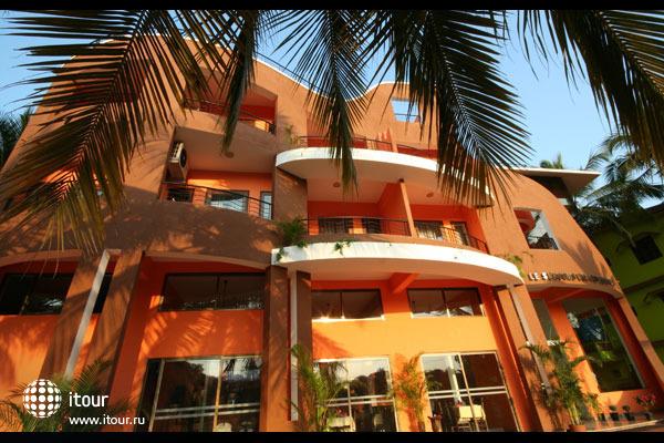 Le Seasons Beach Resort Candolim 5