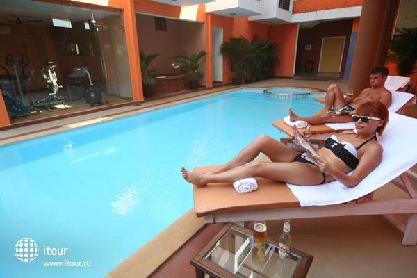 Le Seasons Beach Resort Candolim 10