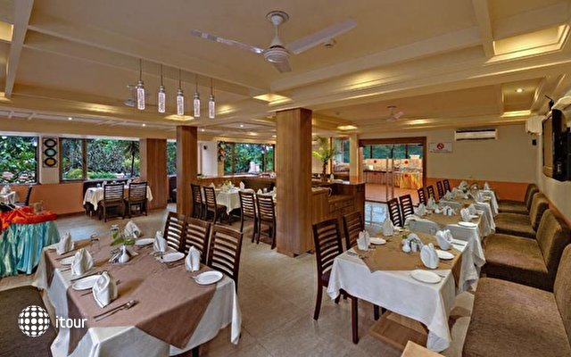 Sandalwood Hotel & Retreat 8