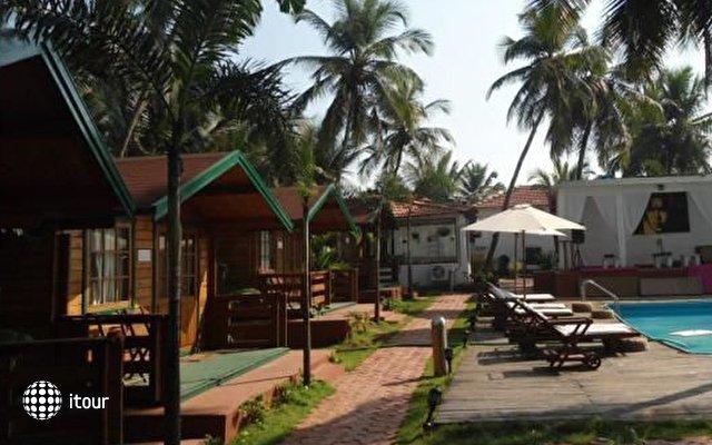 Micasa Beach Resort 9