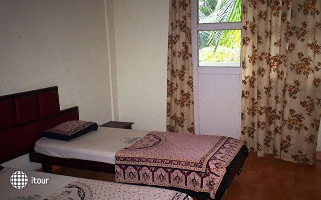 Famafa Beach Resort 3