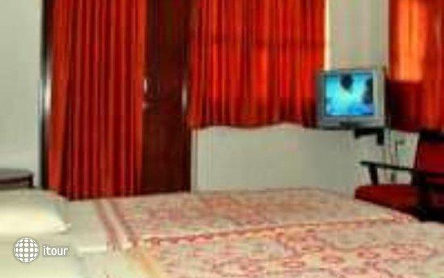 Kismat Mahal Hotel 5