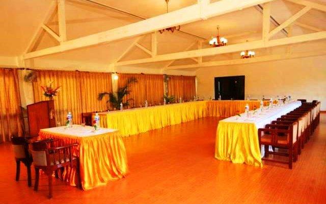 Ronil Beach Resort 10