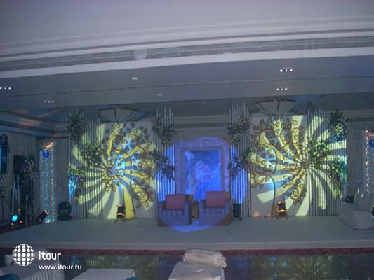 Holiday Inn Resort 2