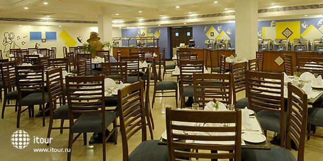 Holiday Inn Resort 7