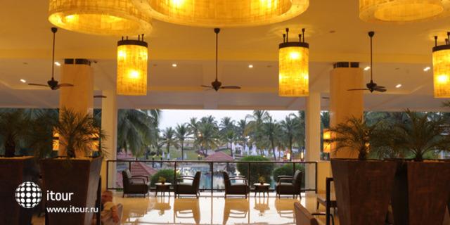 Holiday Inn Resort 9