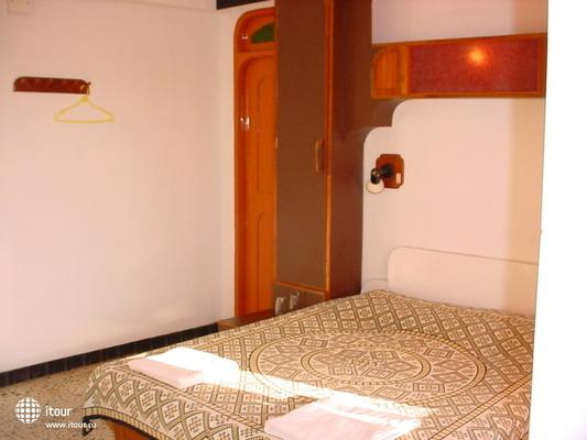 Gaffinos Beach Resort 2