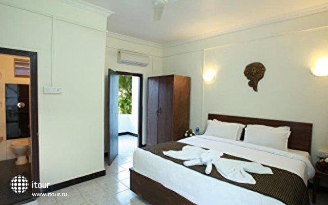 Lucky Star Hotel  2