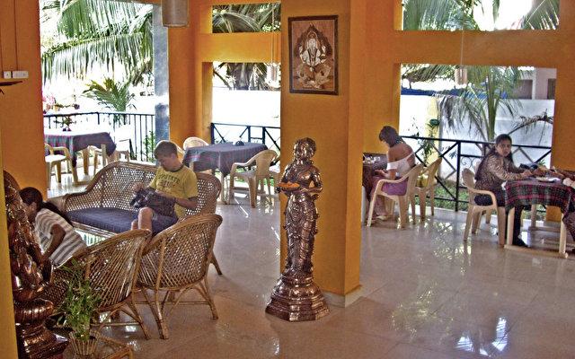 Rahi Coral Beach Resort 9