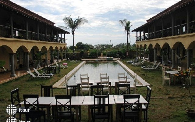 Sur La Mer Resort 23