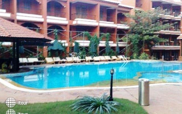 The Baga Marina Beach Resort & Hotel (ex. Beacon Court),  7