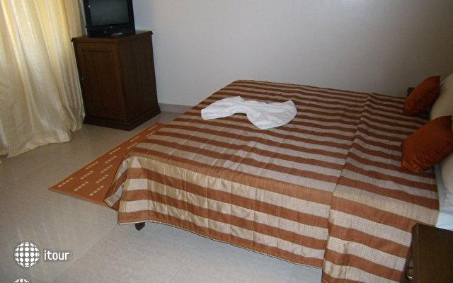 Nazri Resort 7