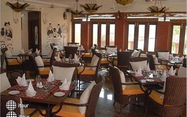 Lazylagoon Sarovar Portico Suites 8
