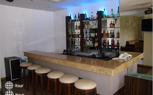 Lazylagoon Sarovar Portico Suites 9