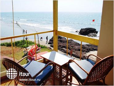 Morjim Beach Resort 2