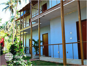 Morjim Beach Resort 5