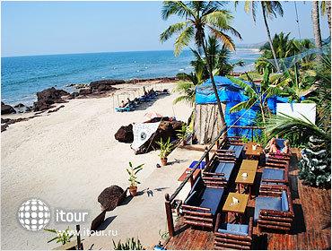 Morjim Beach Resort 6