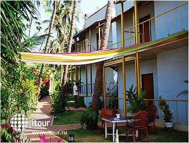 Morjim Beach Resort 9