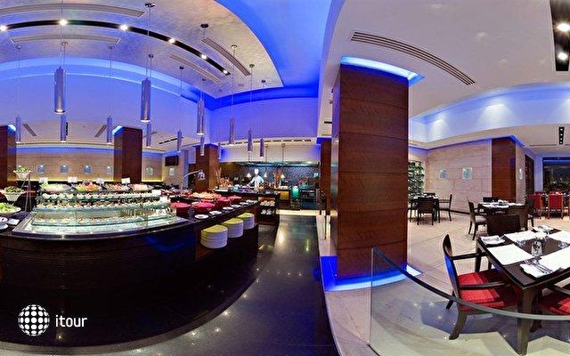 Radisson Blu Plaza Hotel 3