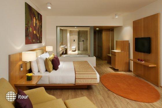 Radisson Blu Plaza Hotel 4