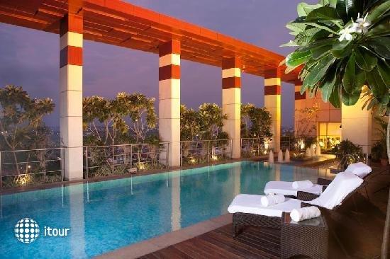 Radisson Blu Plaza Hotel 6