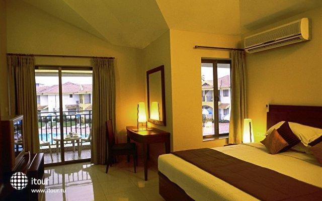 Baywatch Beach Resort Hotel 4