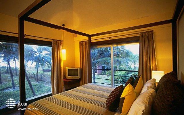 Baywatch Beach Resort Hotel 5