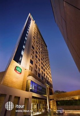 Courtyard By Marriott Gurgaon 2