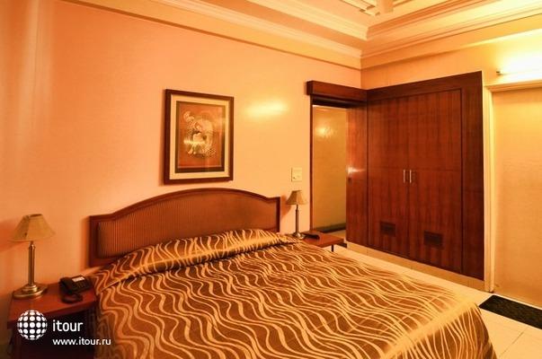 Hotel Tourist Deluxe 6