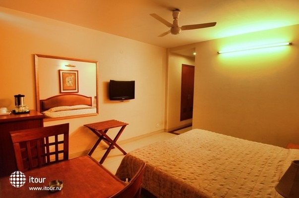 Hotel Tourist Deluxe 9