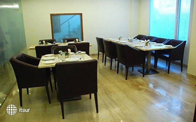 Alpina Hotels & Suites 8