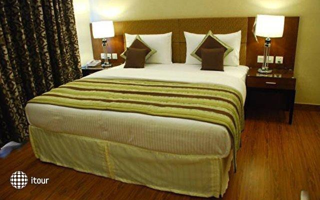 Alpina Hotels & Suites 9