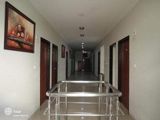 Om Palace 8