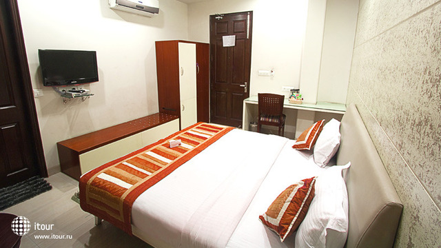 Cosy Grand Hotel 2