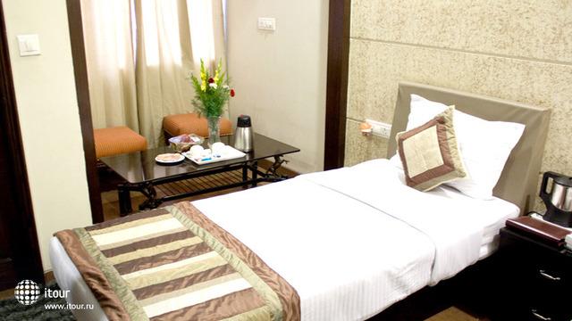 Cosy Grand Hotel 6