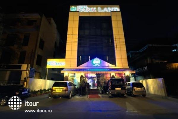 Parkland Safdarjung Enclave 1