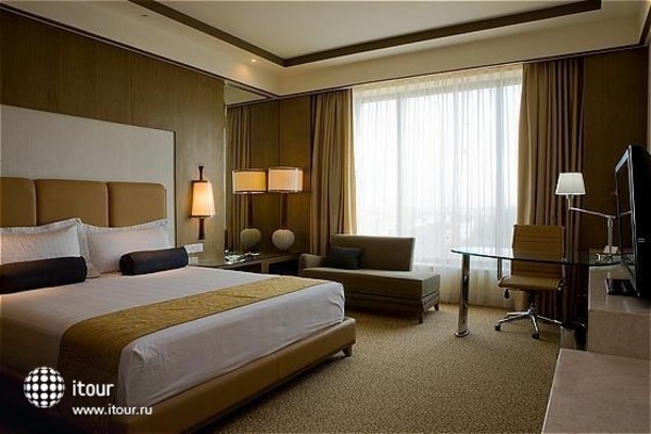 Crowne Plaza New Delhi Okhla 2