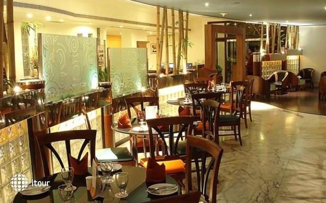 Ramee Guestline Hotel Juhu 10