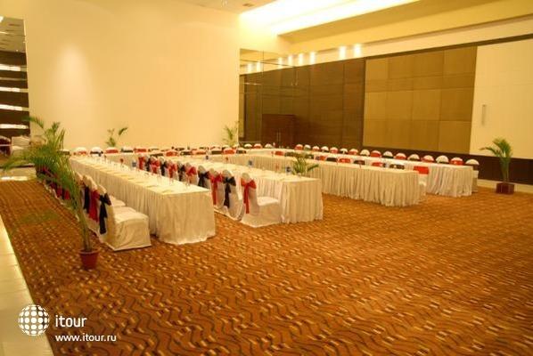 Ramee Guestline - Khar 10
