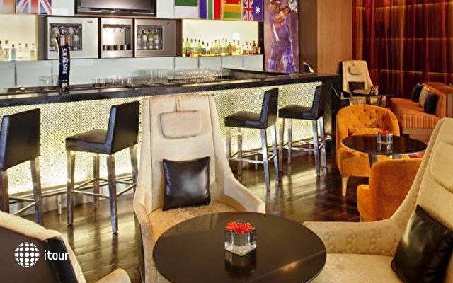 Holiday Inn Mumbai International Airport 4