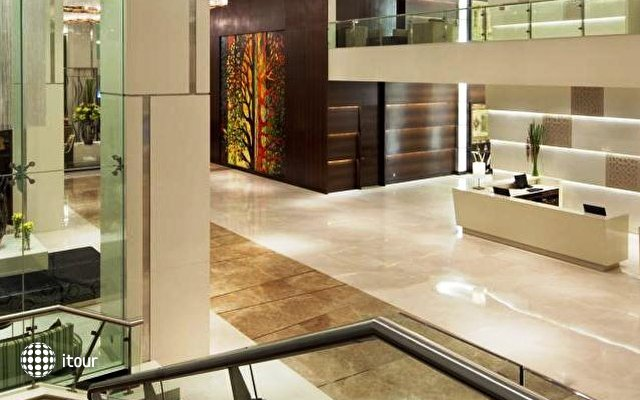 Holiday Inn Mumbai International Airport 5