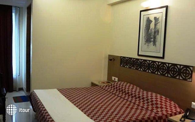 Unicontinental Hotel 10
