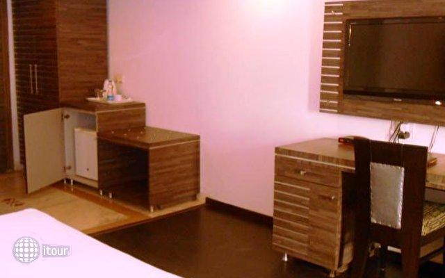 Rajmahal Hotel Agra 7