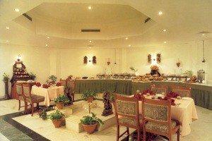 Holiday Inn Khajuraho 3