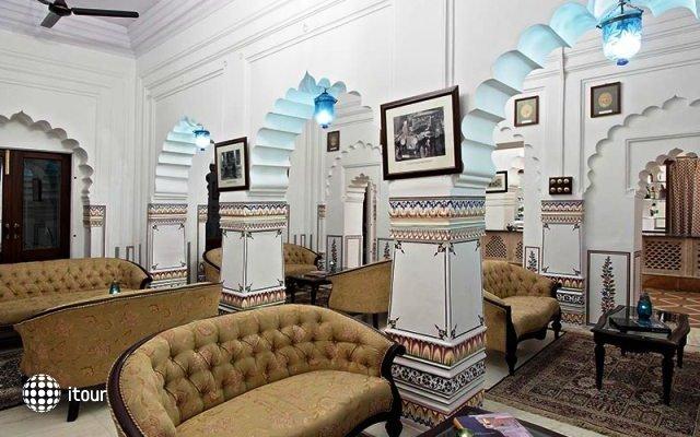Laxmi Vilas Palace 10