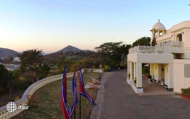 Laxmi Vilas Palace 2