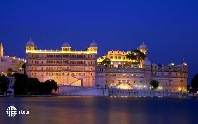 Fateh Prakash Palace 8