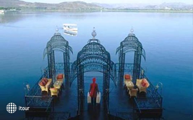 Taj Lake Palace 7
