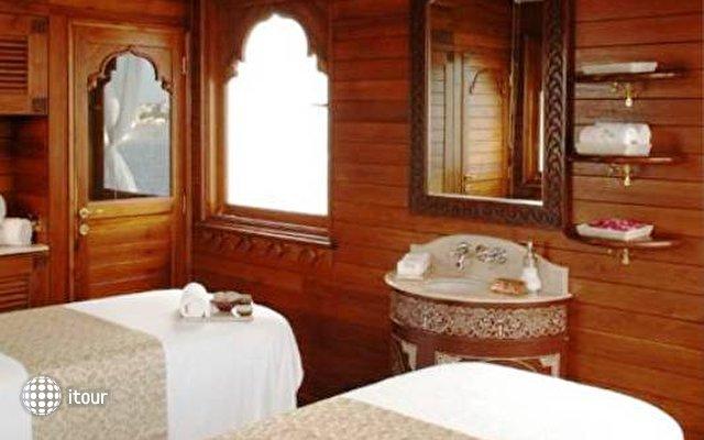 Taj Lake Palace 8